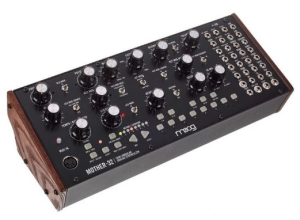 Choisir le Moog Mother-32